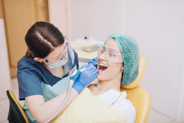 ¿Qué es la endodoncia y en qué consiste? Sus causas y tratamientos